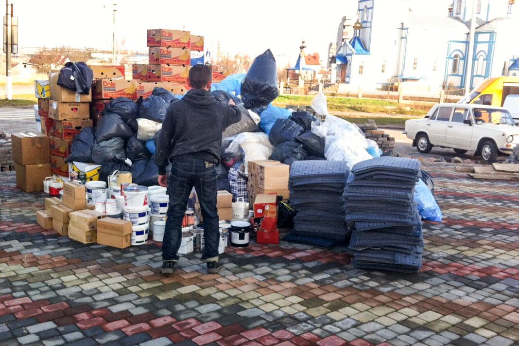 aankomst hulpgoederen uit Nederland