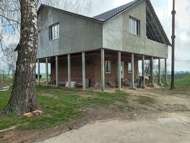 het opvanghuis voor vrouwen in aanbouw