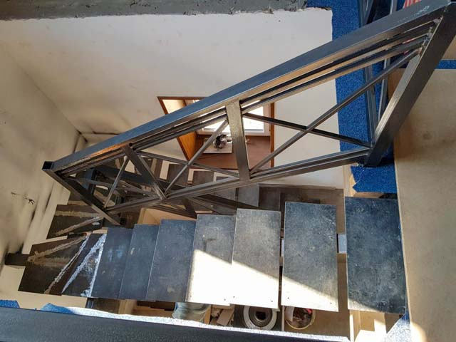 trap naar de eerste verdieping